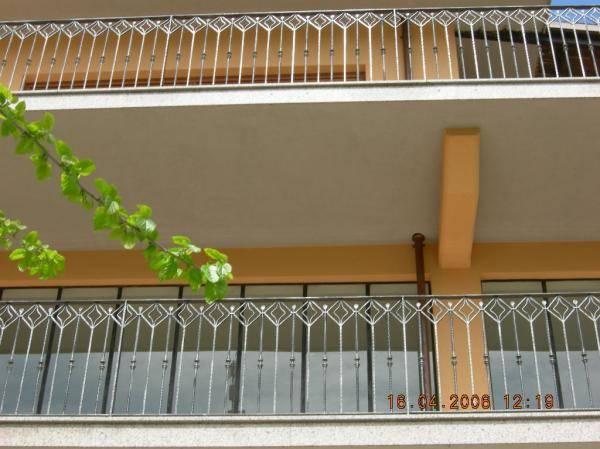 Garde corps en fer forg fer forg cl tures en fer - Ringhiere per terrazzi ...