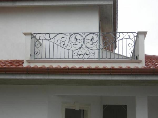 Rampe en fer forg martel garde corps pour terrasse d for Salotti in ferro battuto per esterni