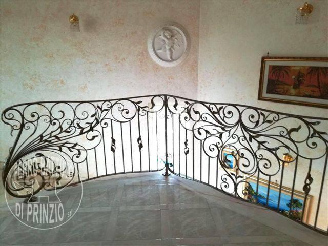 Rampes d 39 int rieur en fer escaliers en fer forg garde for Ferro battuto di prinzio