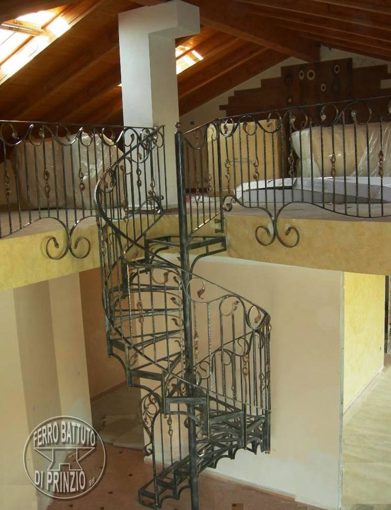 escaliers en colimacon. Black Bedroom Furniture Sets. Home Design Ideas