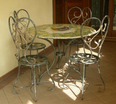 Chaises en fer forg chaises et pancs en fer forg - Tavoli in ferro battuto per interni ...