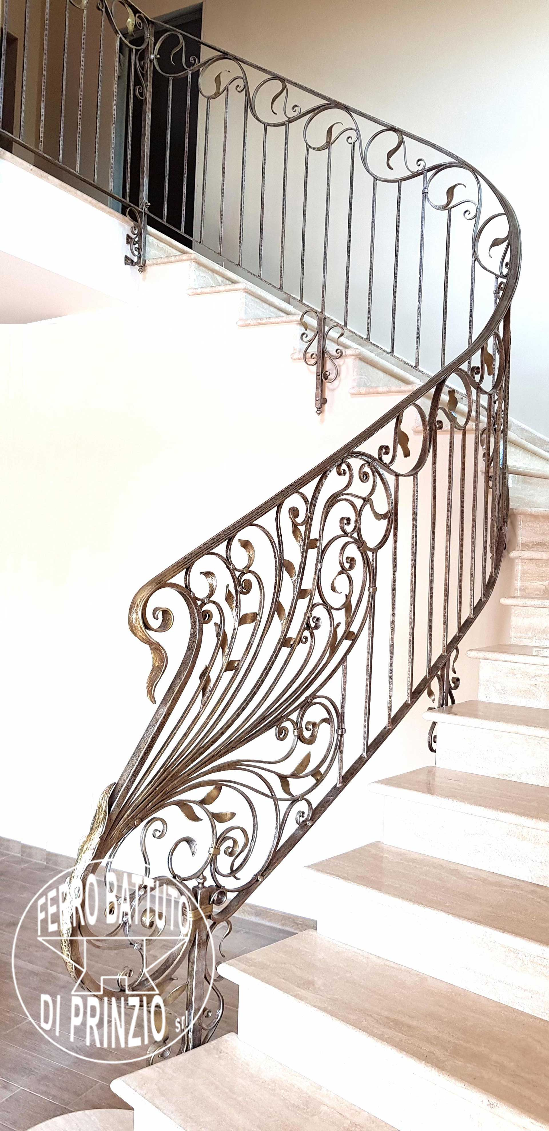 Rampes d 39 int rieur en fer escaliers en fer forg garde for Applique scale interne